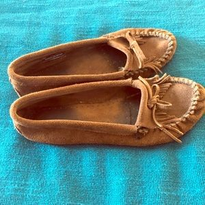 Minnetonka 9.5 moccasins used but great condition